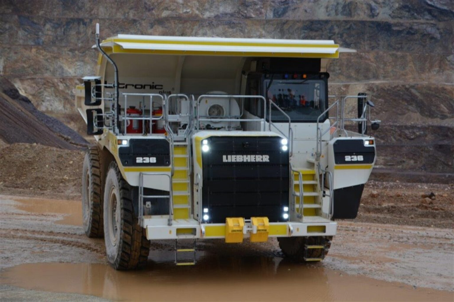 mining truck liebherr