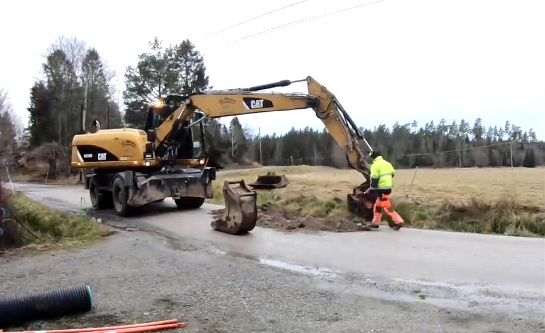 Pipe and Road Repaired in 4 Minutes!