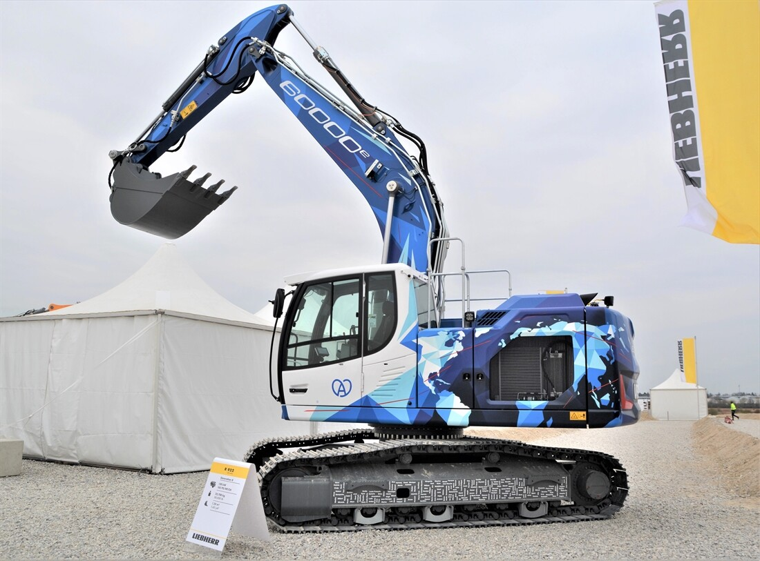 A Walkaround the 60,000th Liebherr Excavator