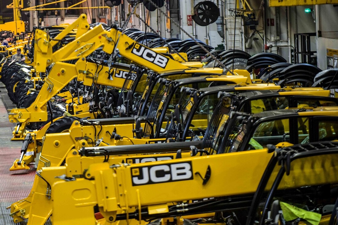 JCB set to reduce production in UK