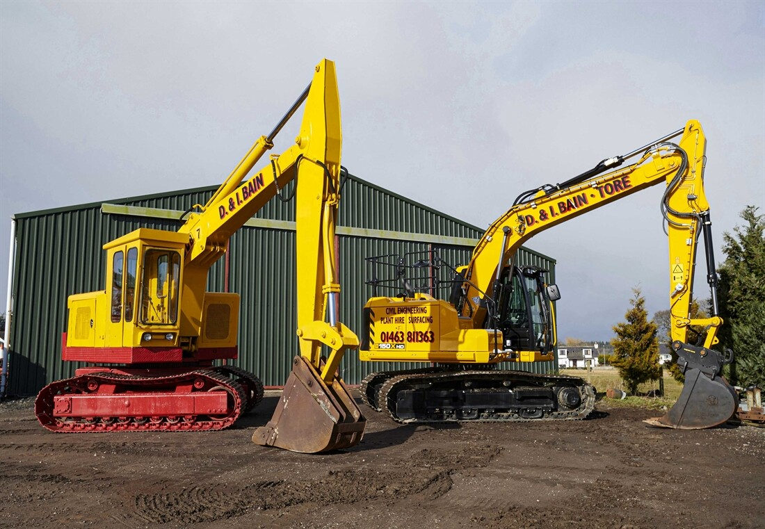 New JCB 150X HD joins classic excavator