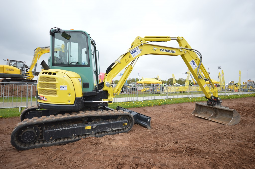 New Yanmar machines ordered at Plantworx by Law Plant