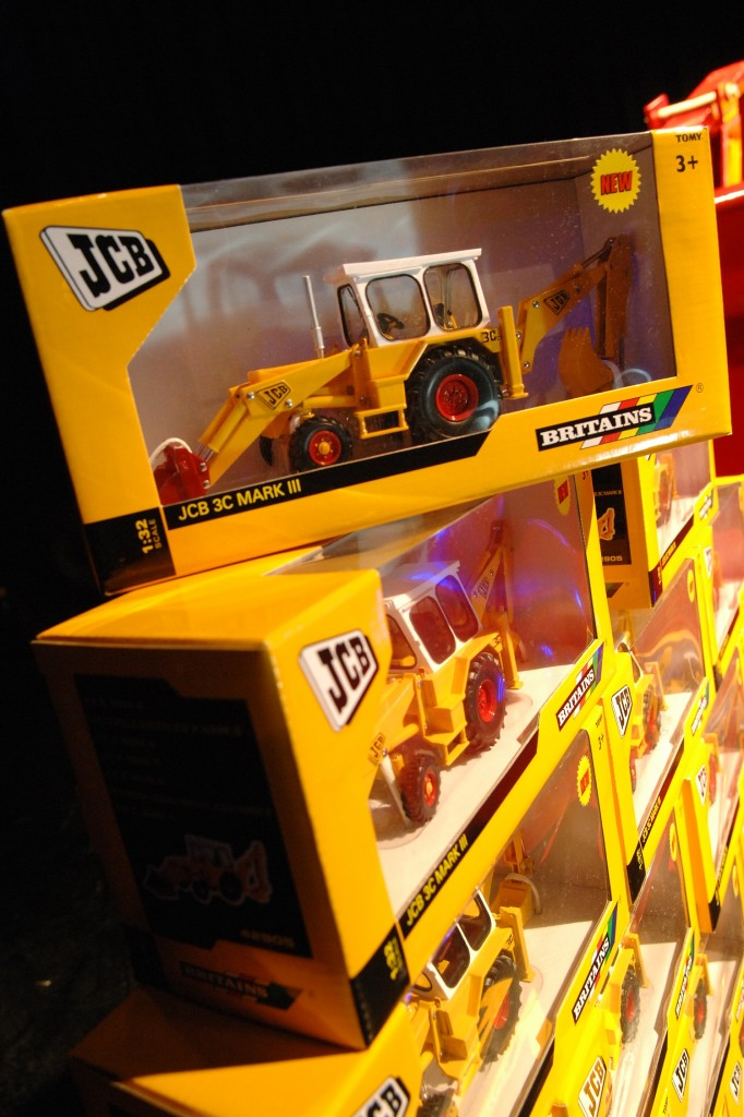And the JCB model winners are ……  | EARTHMOVERS MAGAZINE