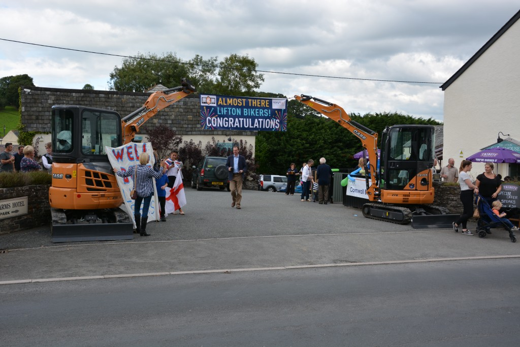 Case Diggers Form Guard Of Honour For The Lifton Bikers
