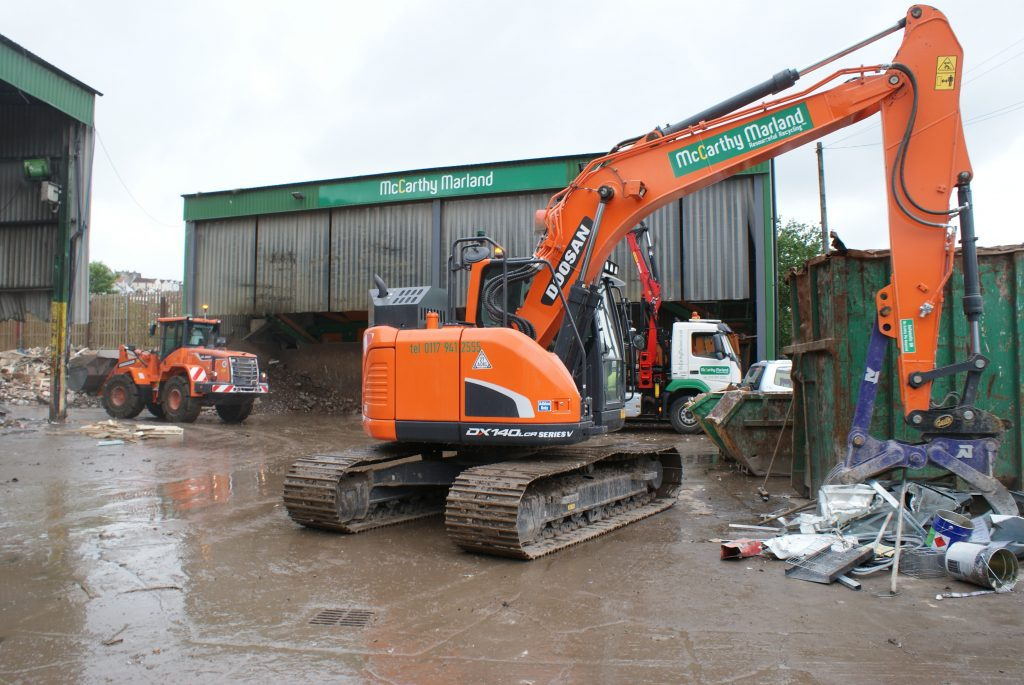 New Doosan kit gets to grips with rubbish